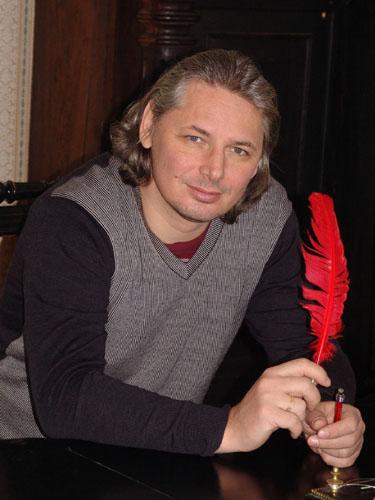 Леонов Анатолий Олегович