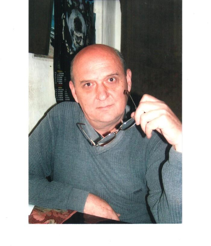 Писатель В. Мельников2 001