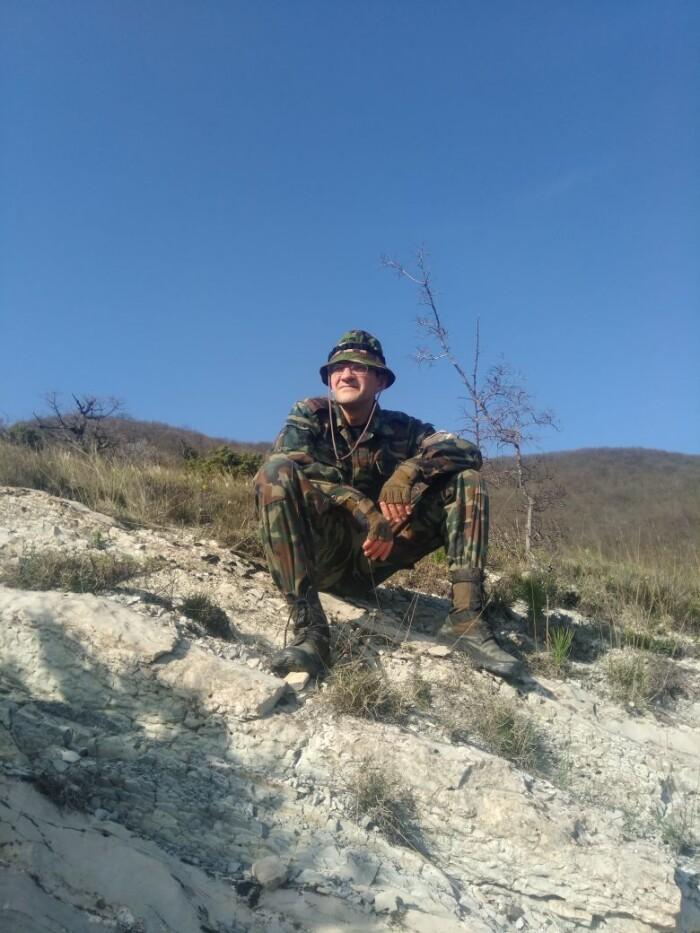 Сергей Бондарев, «Эссе о чумазом поэте»